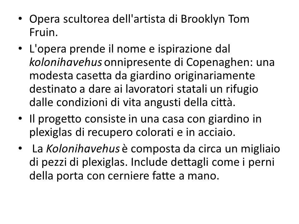 Opera scultorea dell artista di Brooklyn Tom Fruin.