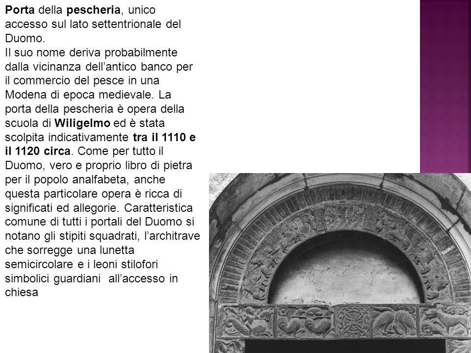 Porta della pescheria, unico accesso sul lato settentrionale del Duomo