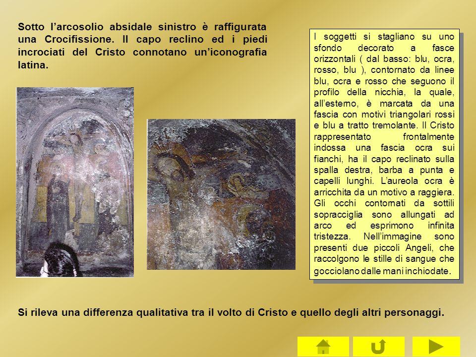 Sotto l'arcosolio absidale sinistro è raffigurata una Crocifissione