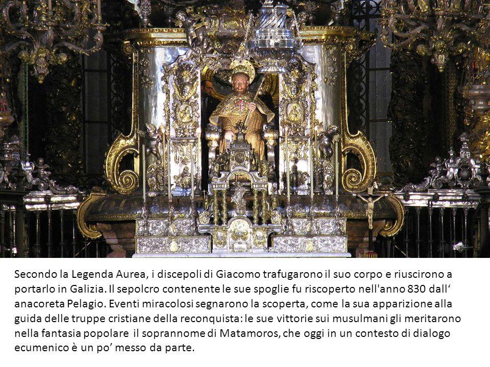Secondo la Legenda Aurea, i discepoli di Giacomo trafugarono il suo corpo e riuscirono a portarlo in Galizia.