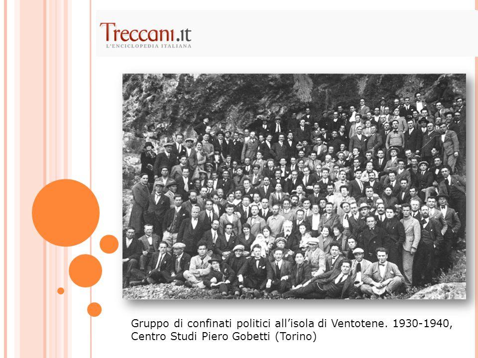 Gruppo di confinati politici all'isola di Ventotene