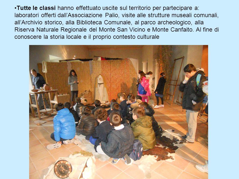 Tutte le classi hanno effettuato uscite sul territorio per partecipare a: laboratori offerti dall'Associazione Palio, visite alle strutture museali comunali, all'Archivio storico, alla Biblioteca Comunale, al parco archeologico, alla Riserva Naturale Regionale del Monte San Vicino e Monte Canfaito.