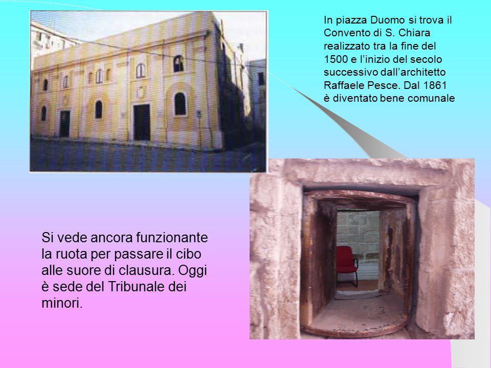 In piazza Duomo si trova il Convento di S