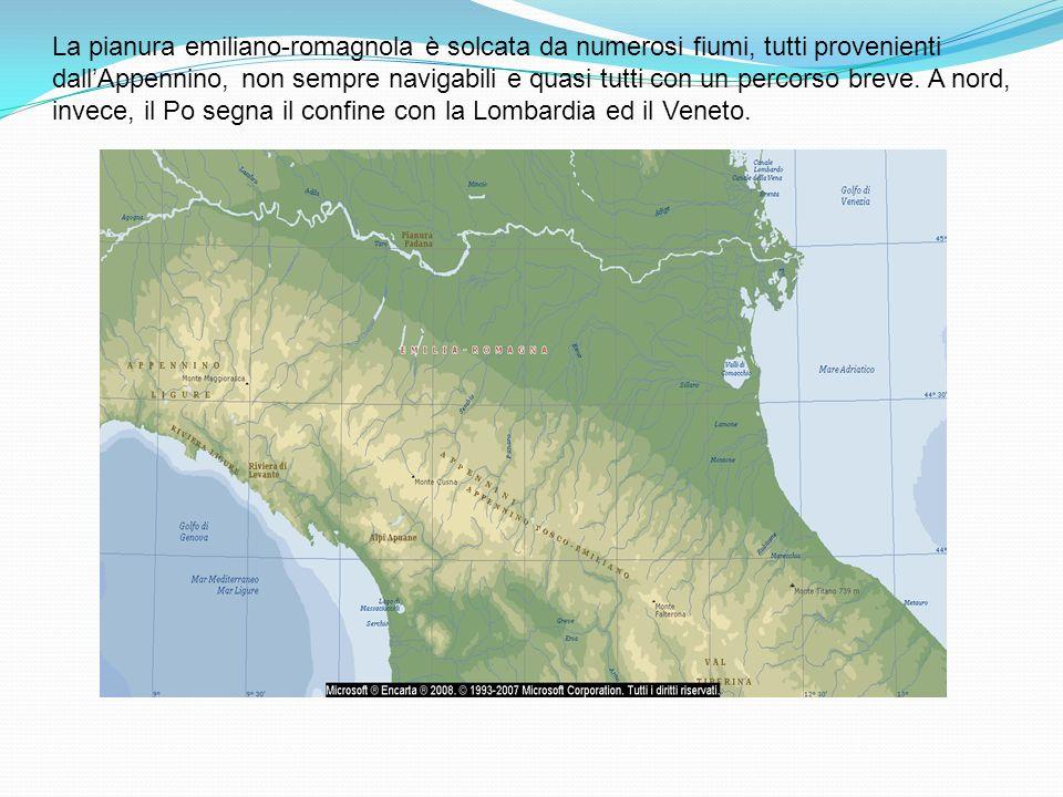 La pianura emiliano-romagnola è solcata da numerosi fiumi, tutti provenienti dall'Appennino, non sempre navigabili e quasi tutti con un percorso breve.
