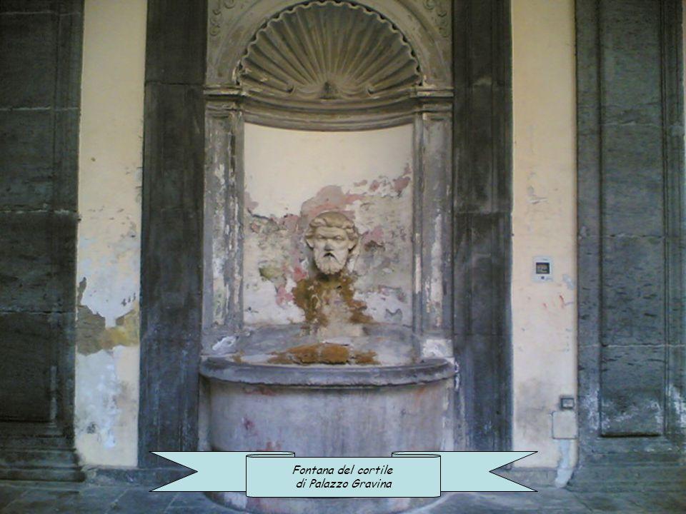 Fontana del cortile di Palazzo Gravina
