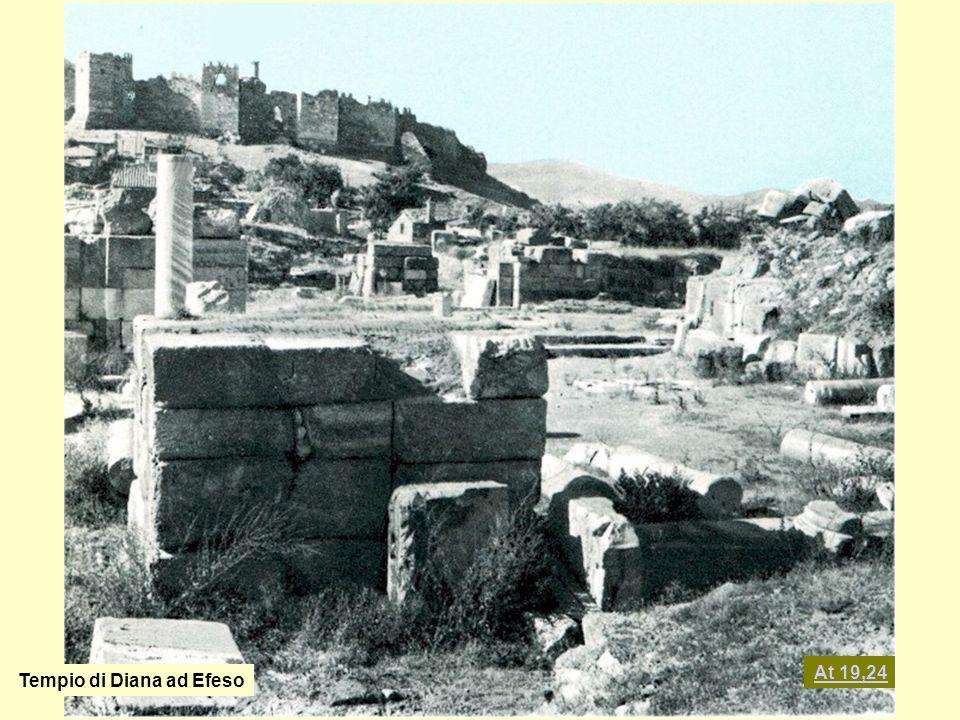 At 19,24 Tempio di Diana ad Efeso