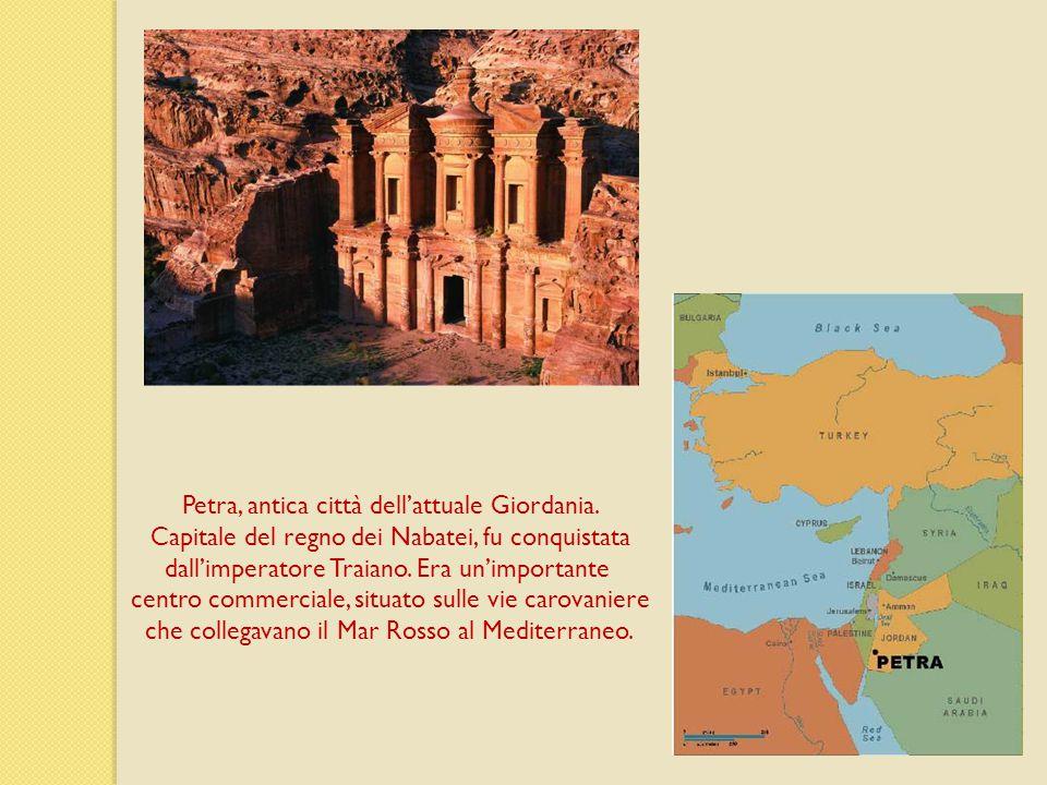 Petra, antica città dell'attuale Giordania.
