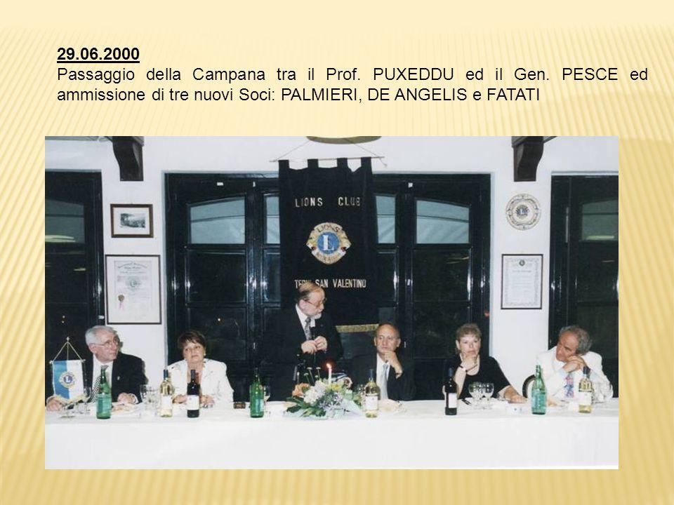 29.06.2000 Passaggio della Campana tra il Prof. PUXEDDU ed il Gen.