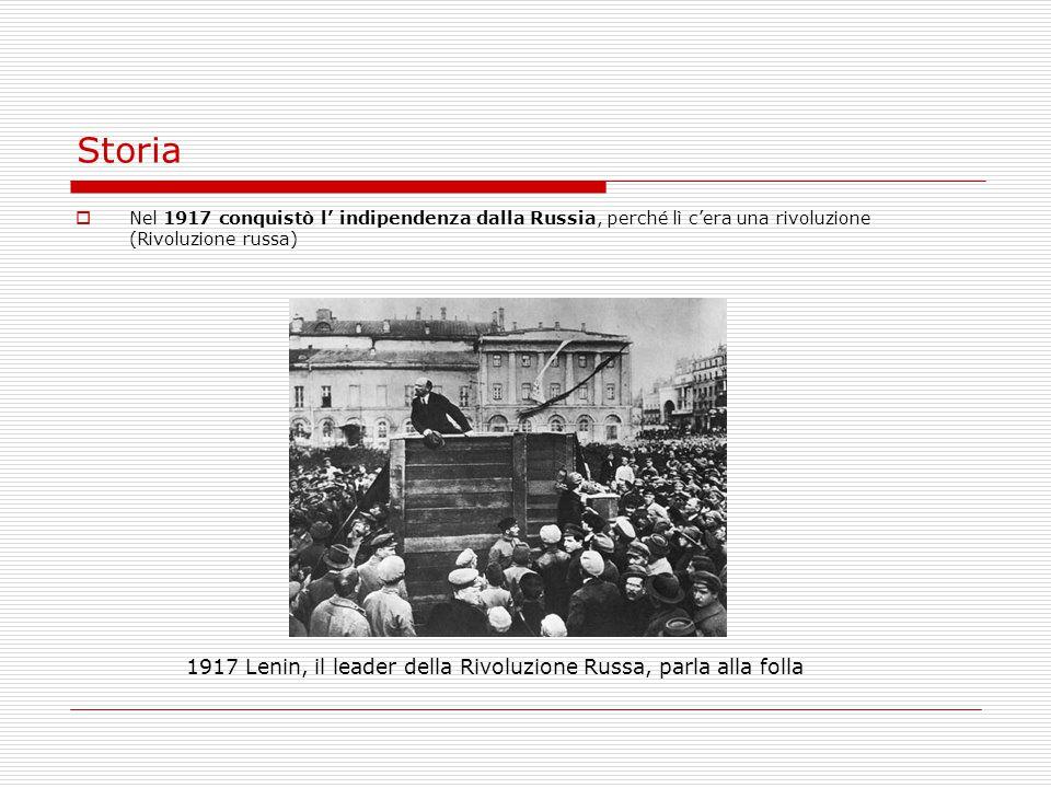 Storia 1917 Lenin, il leader della Rivoluzione Russa, parla alla folla