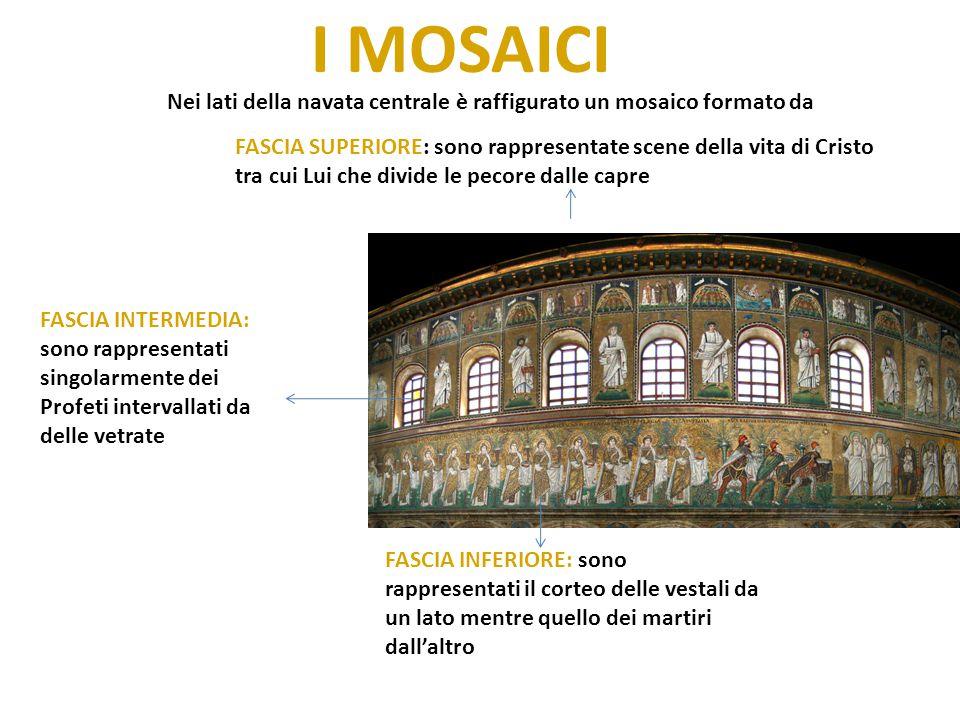 I MOSAICI Nei lati della navata centrale è raffigurato un mosaico formato da.