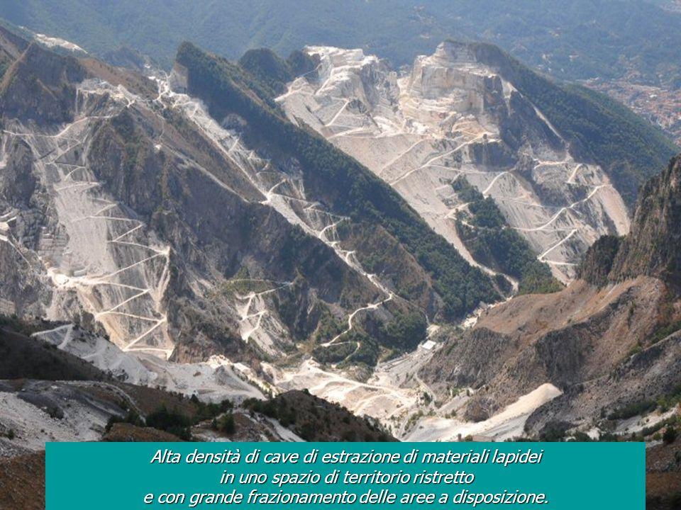 Alta densità di cave di estrazione di materiali lapidei