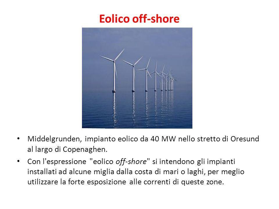 Eolico off-shore Middelgrunden, impianto eolico da 40 MW nello stretto di Oresund al largo di Copenaghen.