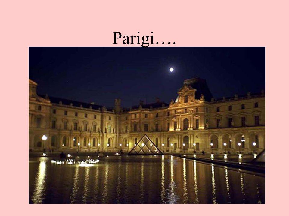 Parigi…. Il Louvre a Parigi (ma è una foto contemporanea!!)