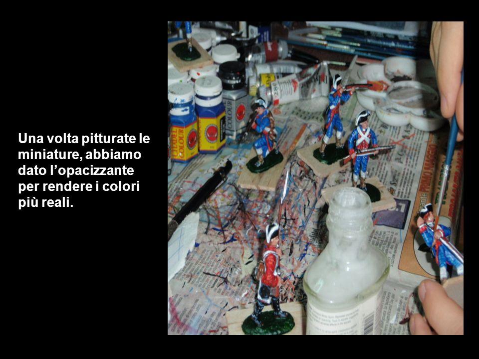 Una volta pitturate le miniature, abbiamo dato l'opacizzante per rendere i colori più reali.