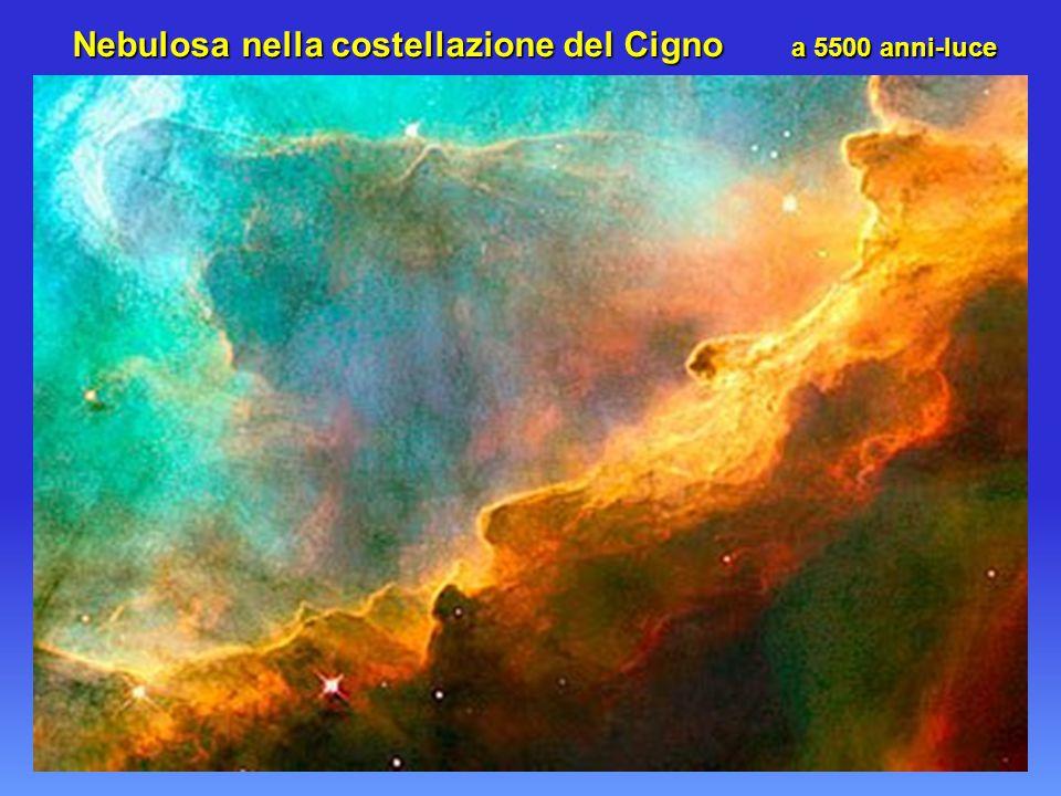 Nebulosa nella costellazione del Cigno a 5500 anni-luce