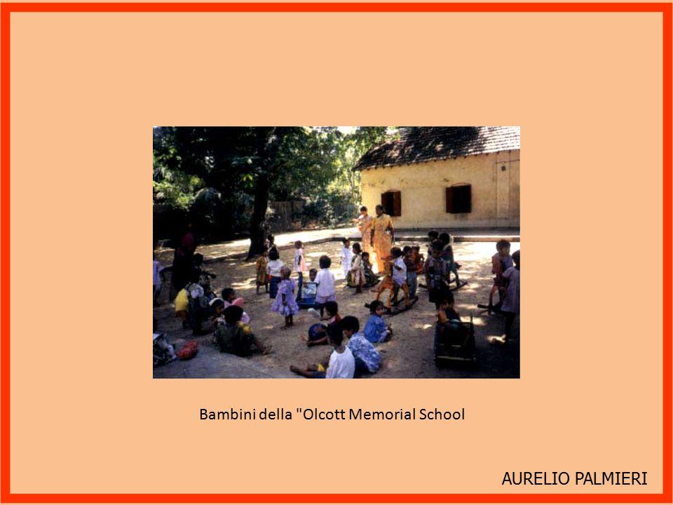Bambini della Olcott Memorial School