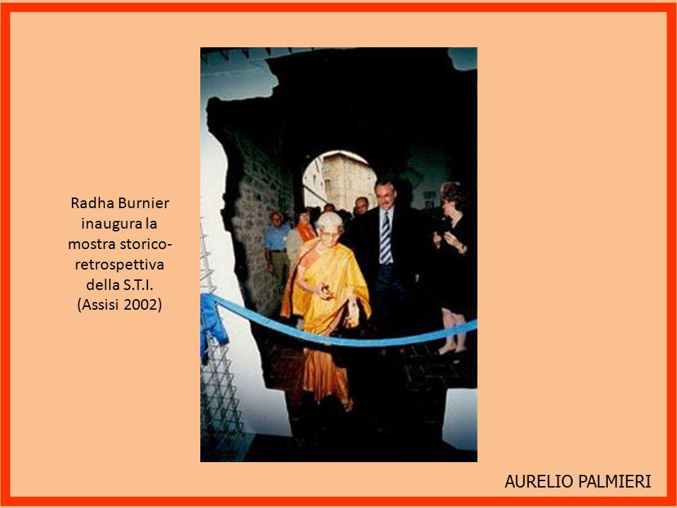 Radha Burnier inaugura la mostra storico-retrospettiva della S.T.I.