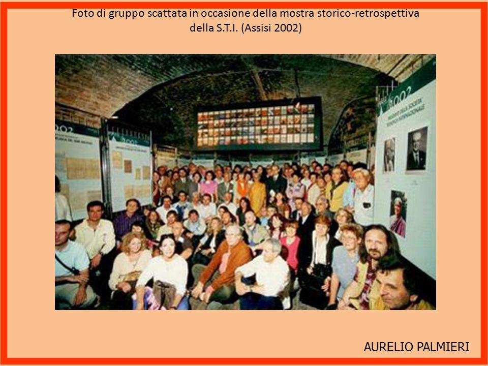 Foto di gruppo scattata in occasione della mostra storico-retrospettiva della S.T.I. (Assisi 2002)