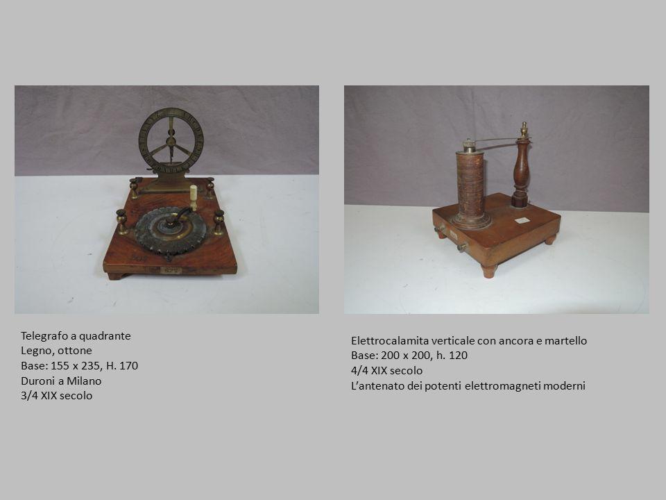 Telegrafo a quadrante Legno, ottone. Base: 155 x 235, H. 170. Duroni a Milano. 3/4 XIX secolo. Elettrocalamita verticale con ancora e martello.