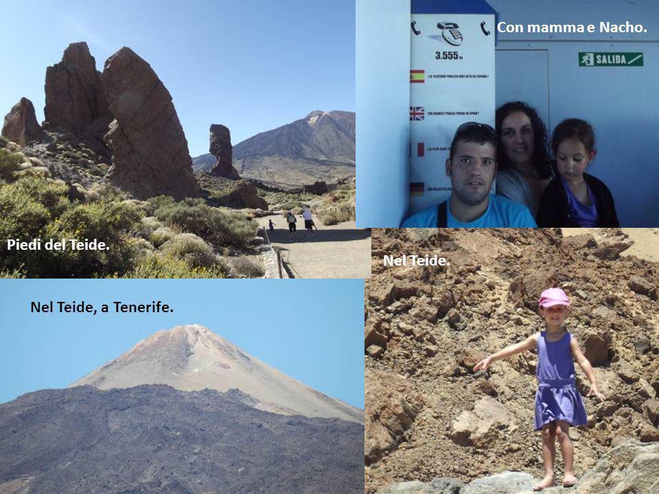 Con mamma e Nacho. Piedi del Teide. Nel Teide. Nel Teide, a Tenerife.
