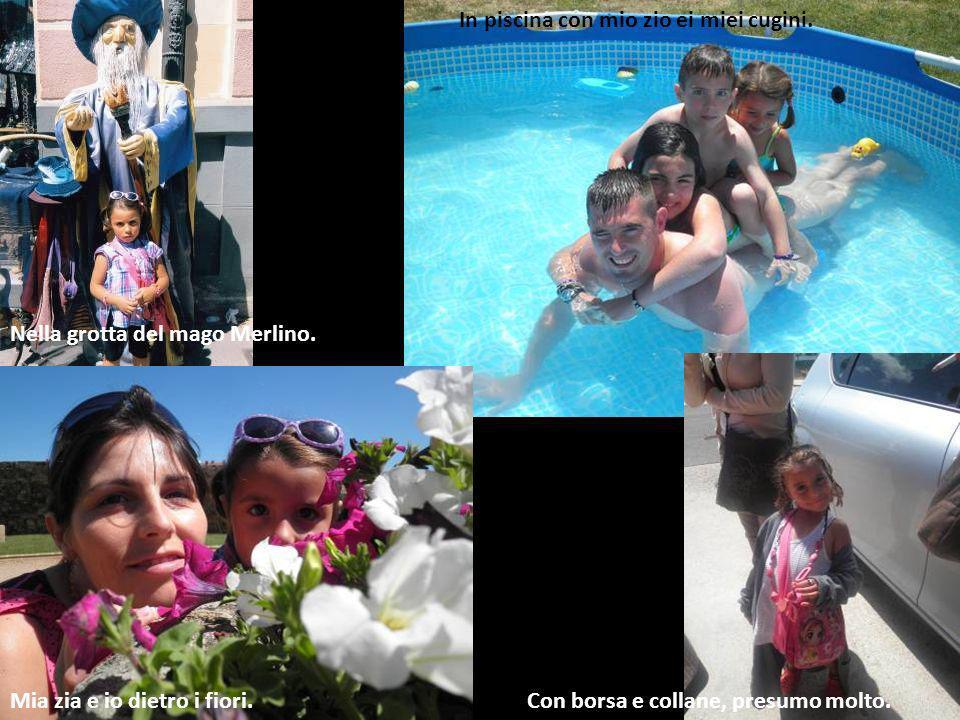 In piscina con mio zio ei miei cugini.