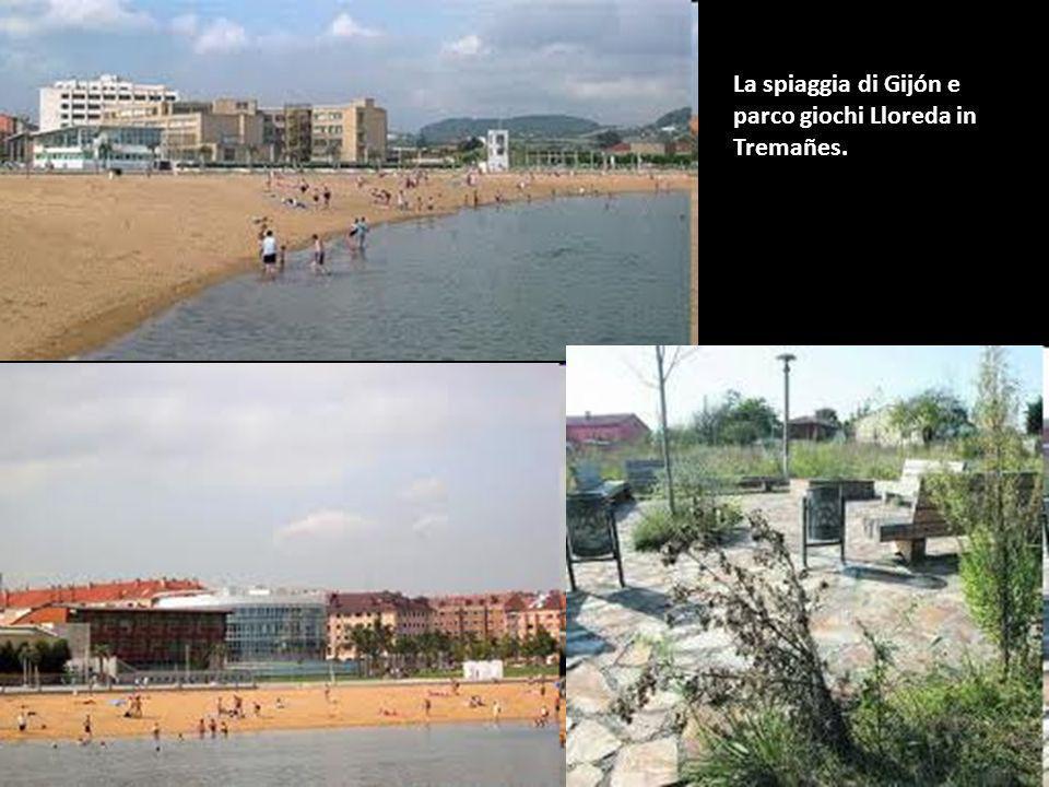 La spiaggia di Gijón e parco giochi Lloreda in Tremañes.