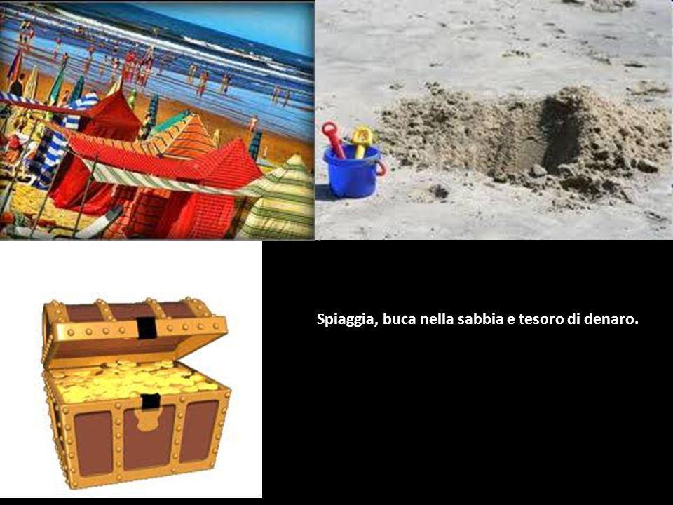 Spiaggia, buca nella sabbia e tesoro di denaro.