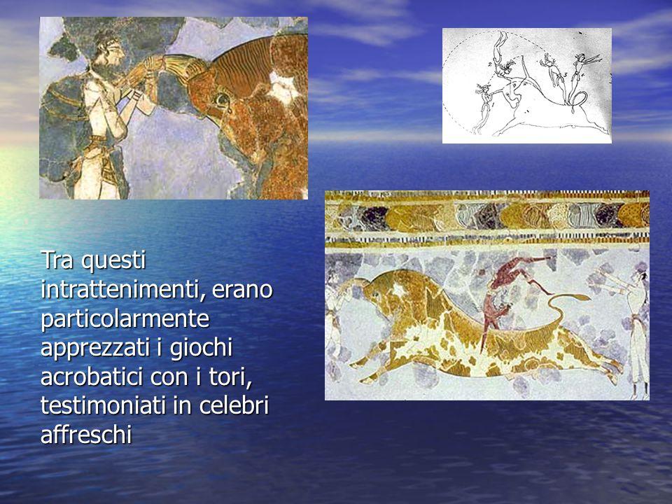 Tra questi intrattenimenti, erano particolarmente apprezzati i giochi acrobatici con i tori, testimoniati in celebri affreschi