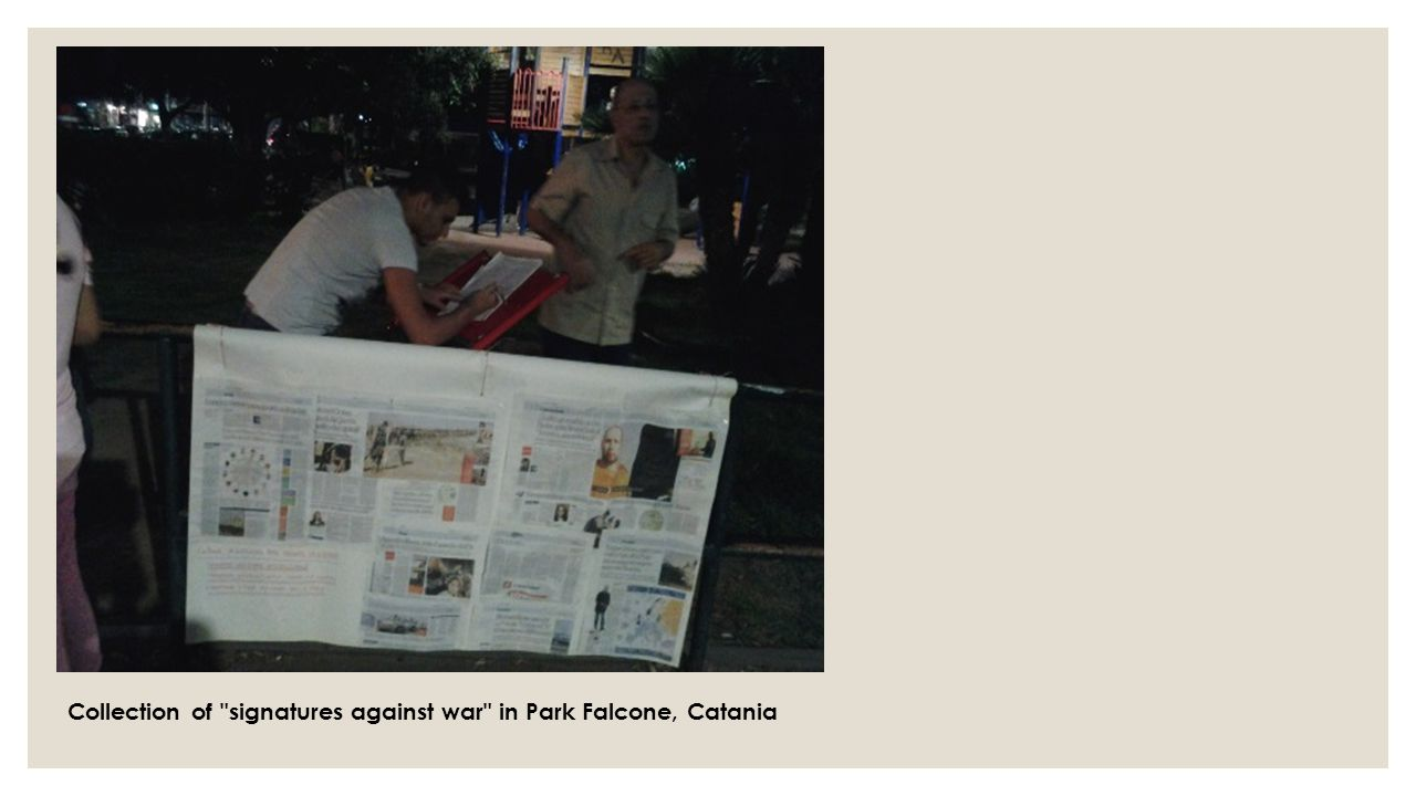 Collection of signatures against war in Park Falcone, Catania