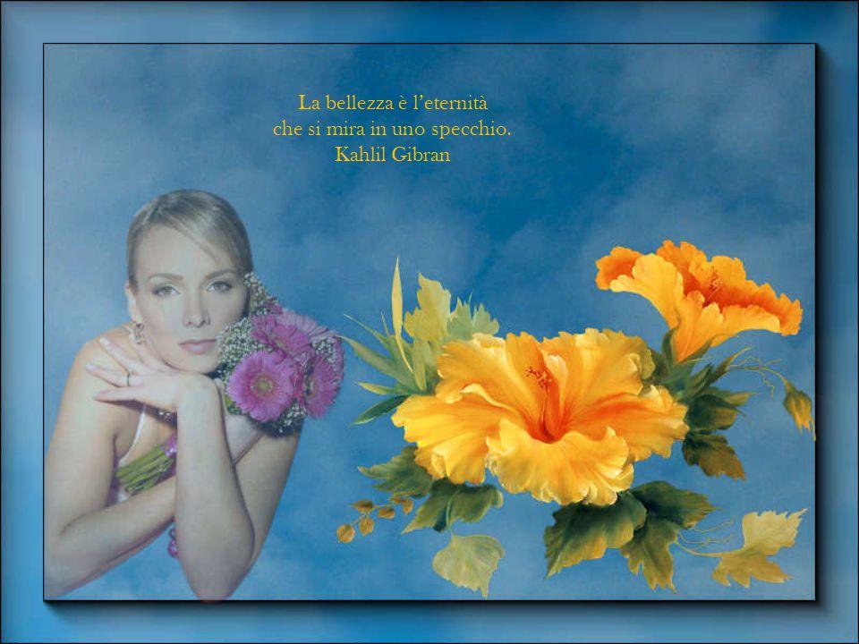 La bellezza è l'eternità che si mira in uno specchio. Kahlil Gibran
