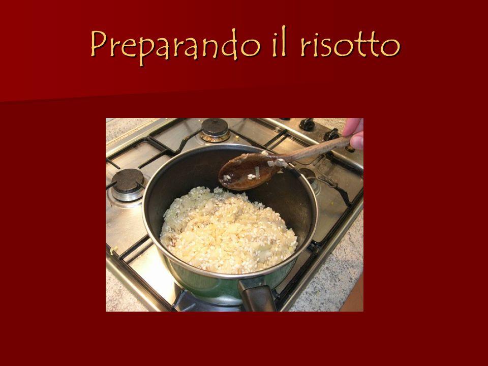 Preparando il risotto