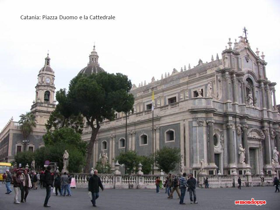 Catania: Piazza Duomo e la Cattedrale