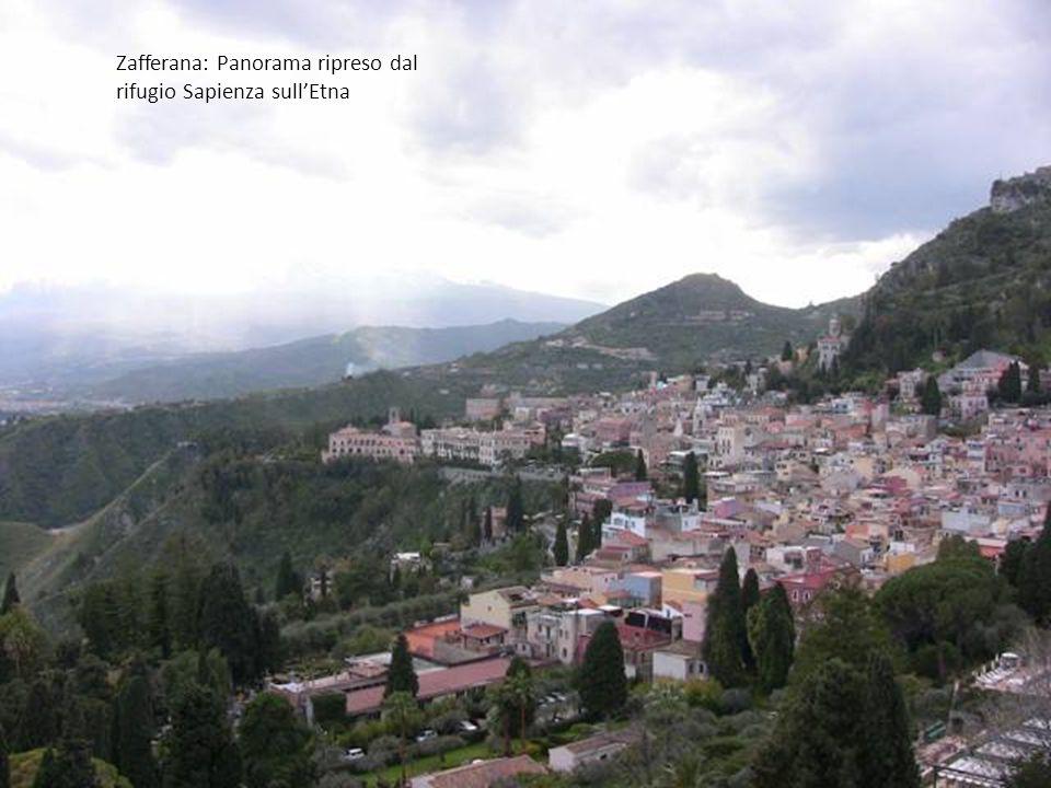 Zafferana: Panorama ripreso dal rifugio Sapienza sull'Etna