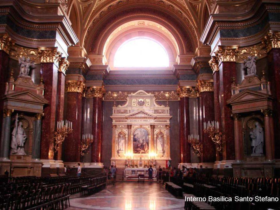 Interno Basilica Santo Stefano