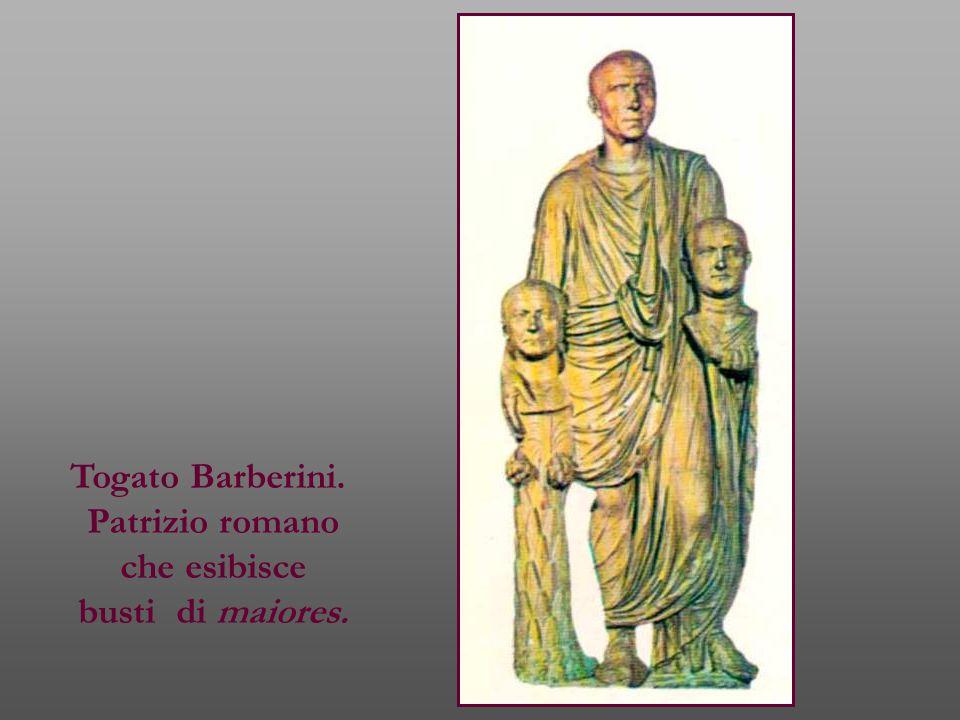Togato Barberini. Patrizio romano che esibisce busti di maiores.