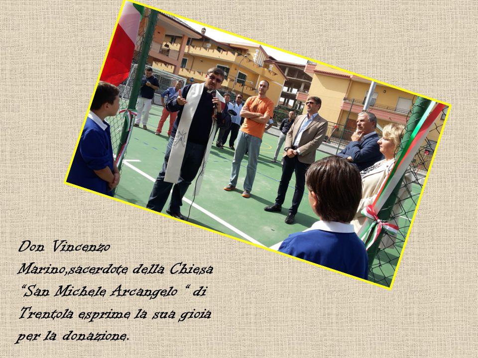 Don Vincenzo Marino,sacerdote della Chiesa San Michele Arcangelo di Trentola esprime la sua gioia per la donazione.
