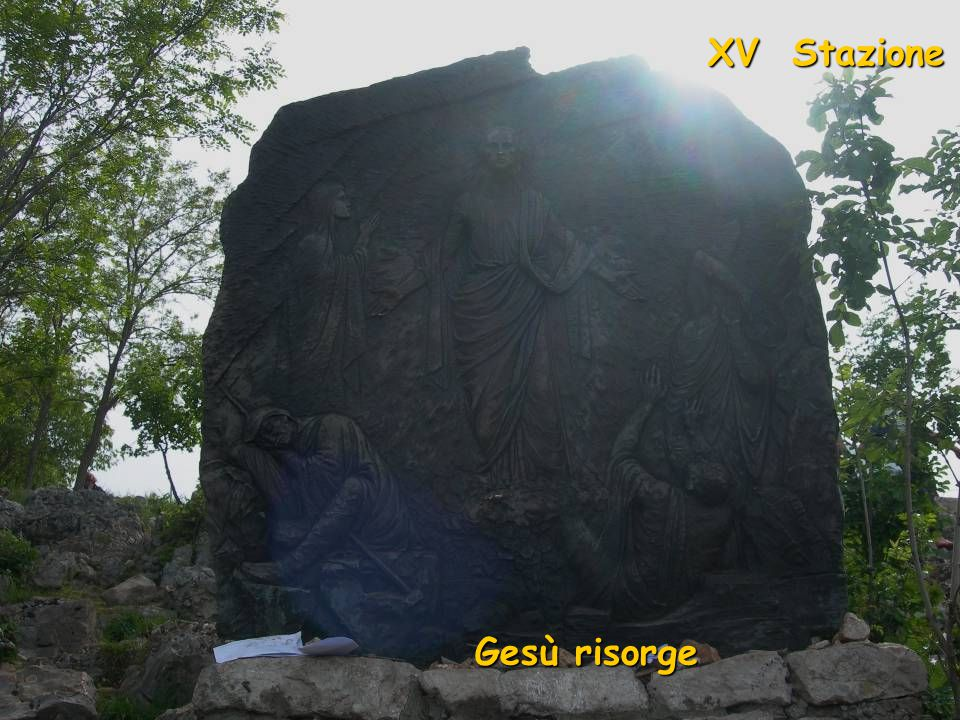 XV Stazione Gesù risorge