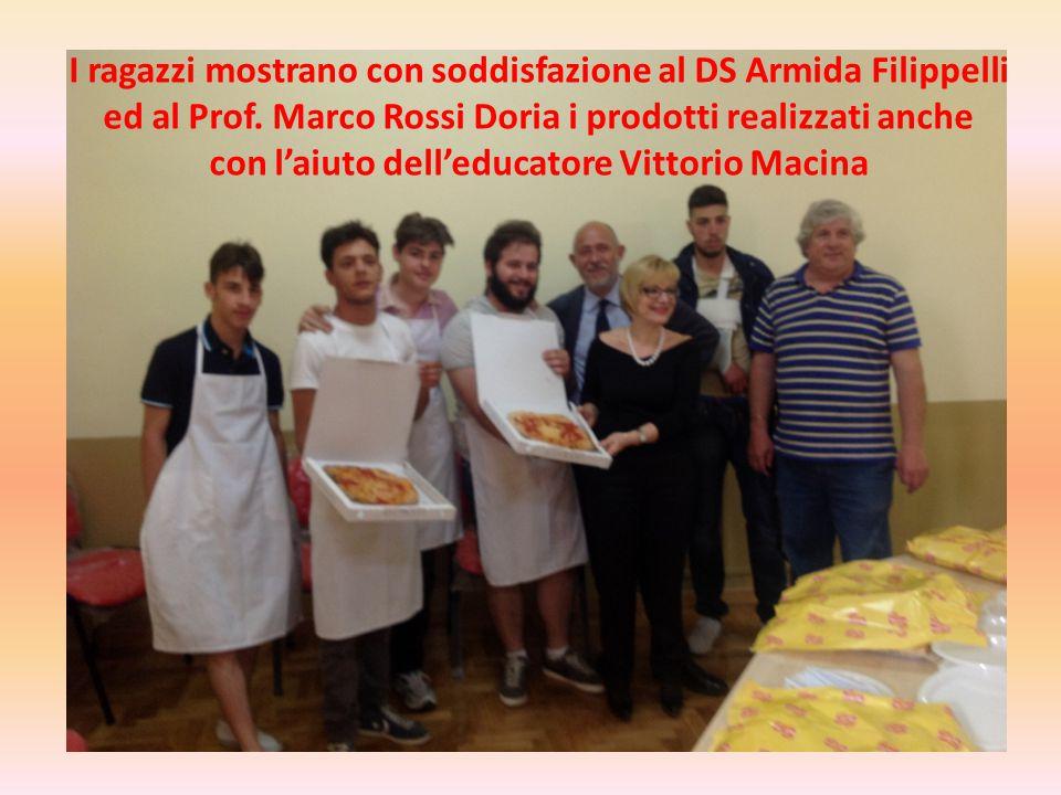 con l'aiuto dell'educatore Vittorio Macina