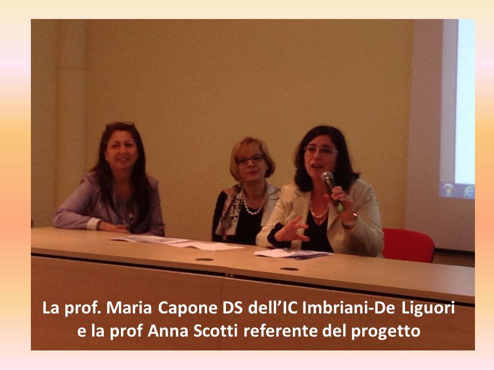 La prof. Maria Capone DS dell'IC Imbriani-De Liguori