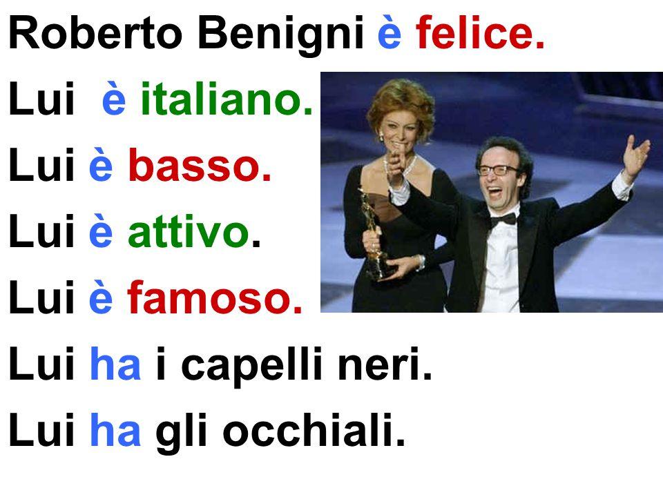 Roberto Benigni è felice.