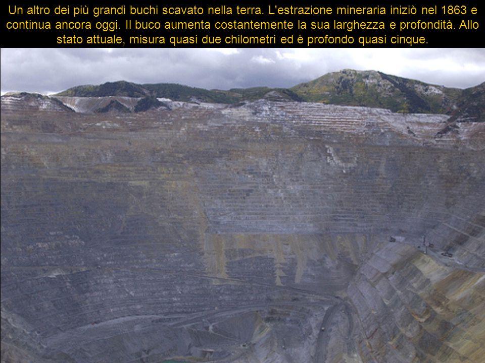 Un altro dei più grandi buchi scavato nella terra