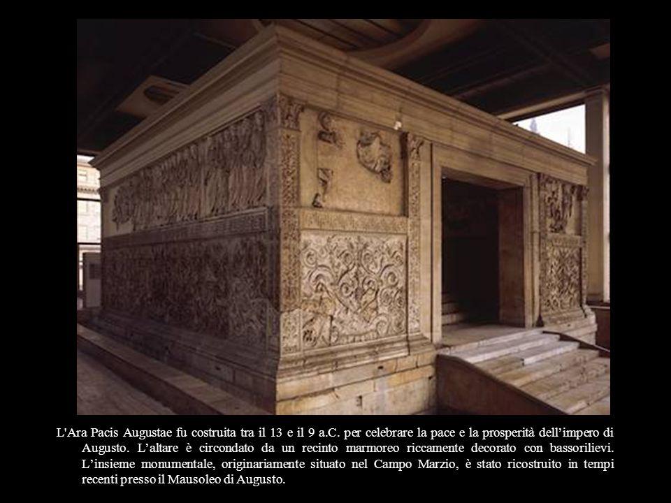 L Ara Pacis Augustae fu costruita tra il 13 e il 9 a. C