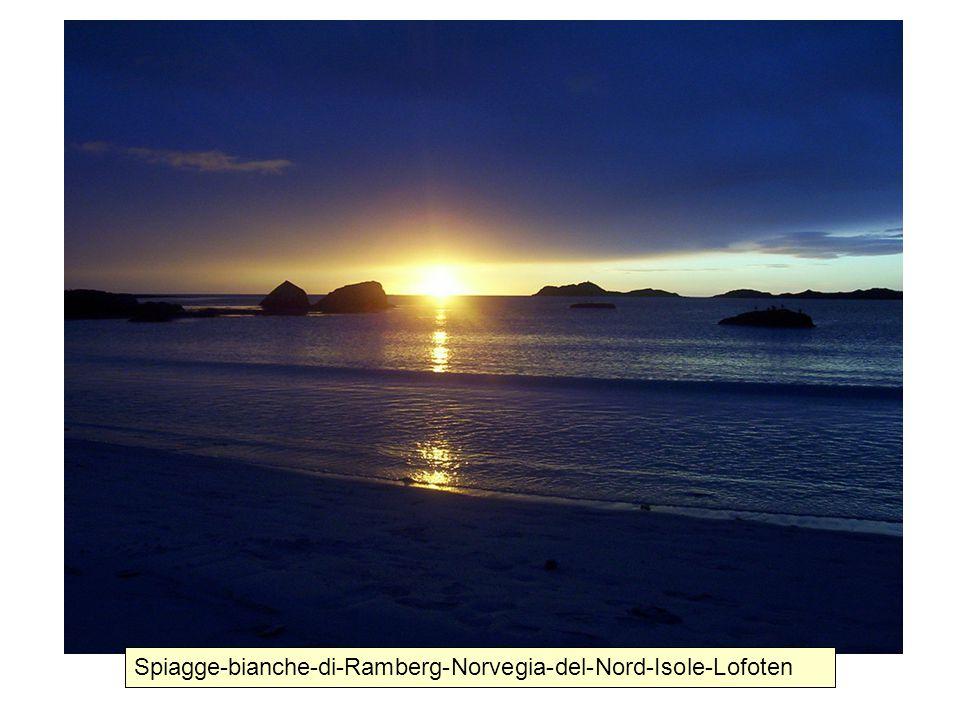 Spiagge-bianche-di-Ramberg-Norvegia-del-Nord-Isole-Lofoten