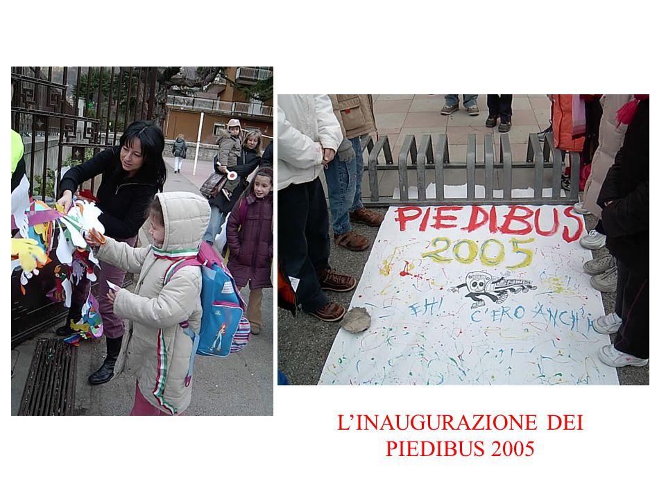 L'INAUGURAZIONE DEI PIEDIBUS 2005