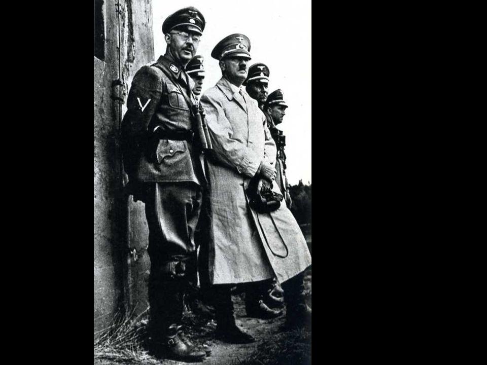 Hitler e il capo delle SS Heinrich Himmler osservano il movimento delle truppe sul confine francese.