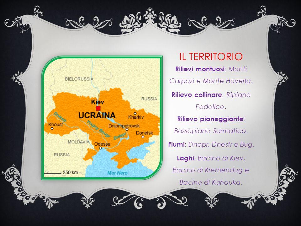 Il territorio Rilievi montuosi: Monti Carpazi e Monte Hoverla.