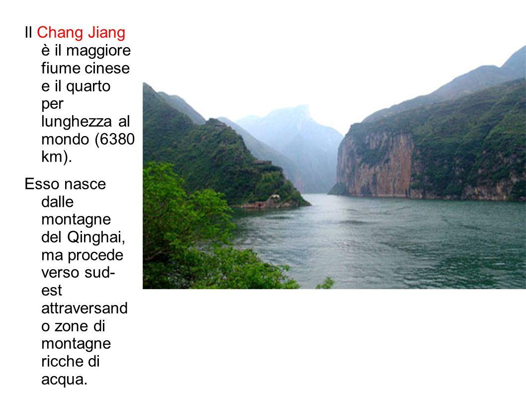 Il Chang Jiang è il maggiore fiume cinese e il quarto per lunghezza al mondo (6380 km).
