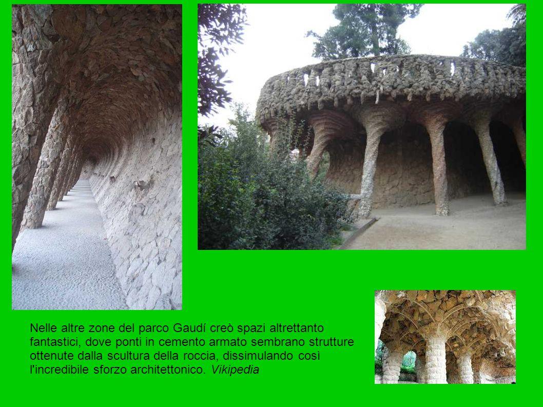 Nelle altre zone del parco Gaudí creò spazi altrettanto fantastici, dove ponti in cemento armato sembrano strutture ottenute dalla scultura della roccia, dissimulando così l incredibile sforzo architettonico.