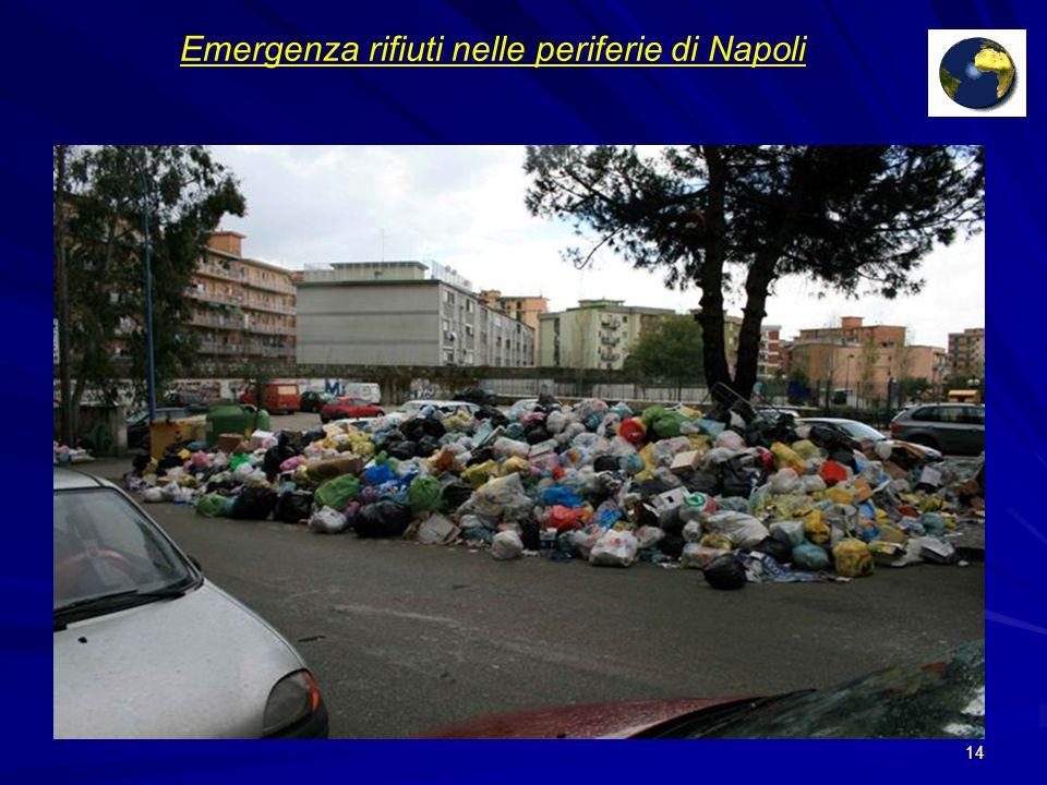 Emergenza rifiuti nelle periferie di Napoli