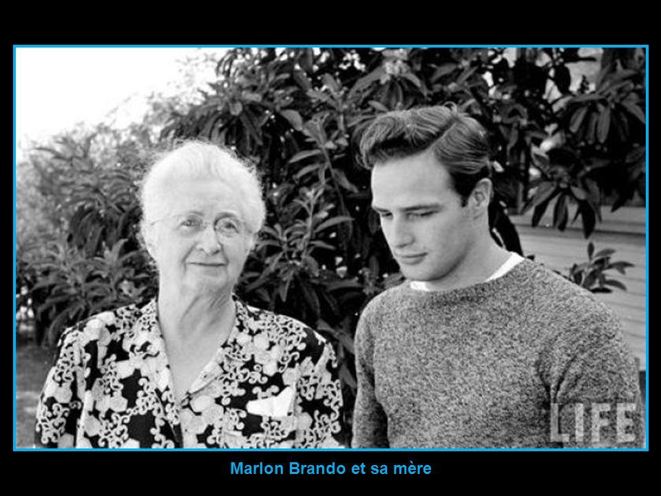 Marlon Brando et sa mère
